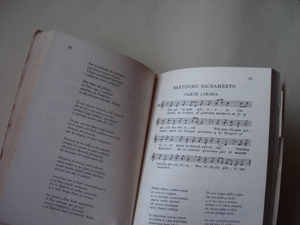 Cantoral popular religioso (Con partituras en catalán, español, latín)