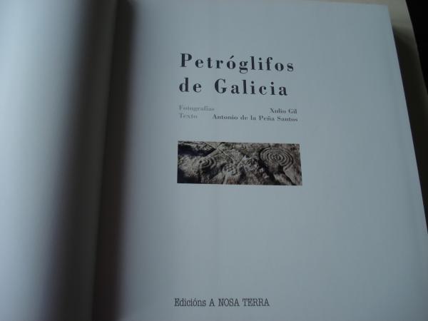 Petróglifos de Galicia (En galego). Fotografías en color de gran formato