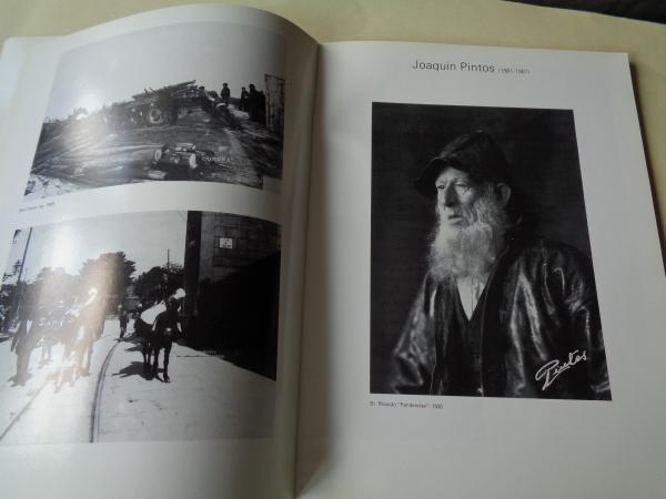 1ª FOTOBIENAL VIGO 84. Catálogo Un século de Fotografía galega. Crónica dunha cidade. 26 fotógrafos galegos