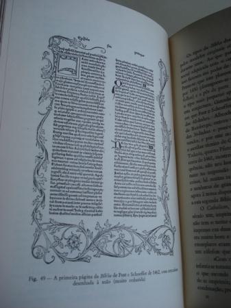 O livro. Impressâo e fabrico. Traduçâo de María Luísa Saavedra Machado. Prefácio e notas de Jorge Peixoto