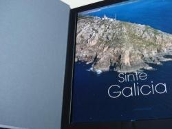 Ver os detalles de:  Sinte Galicia. Siente Galicia. Feel Galicia. Fotografías de Adolfo Enríquez en color, de gran formato. Libro en estoxo ríxido. Versión galego-español-english