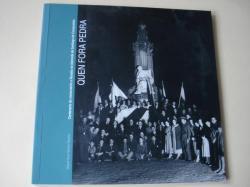 Ver os detalles de:  Quen fora pedra. Centenario do monumento a Rosalía na Alameda de Santiago de Compostela
