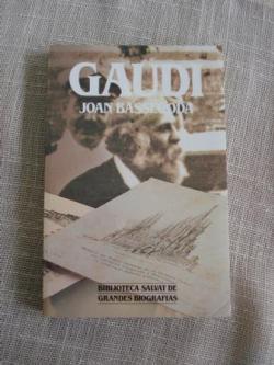 Ver os detalles de:  Gaudí